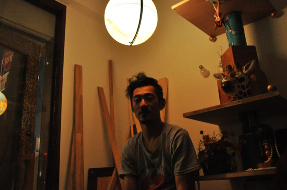 こちらが土屋洋介さん。偶然恵比寿新聞彼の写真を撮っていた