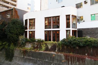 タイ・フュージョン料理を恵比寿で味わえる渋谷川沿いの一軒家「coci」