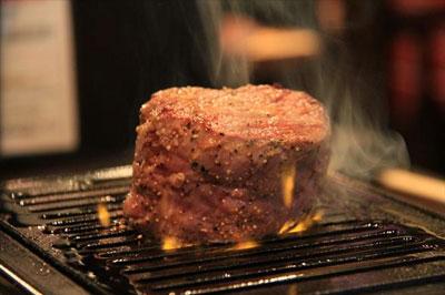あの西麻布で噂の人気焼肉店「ニクアザブ」が恵比寿に上陸。今回も特典あり!