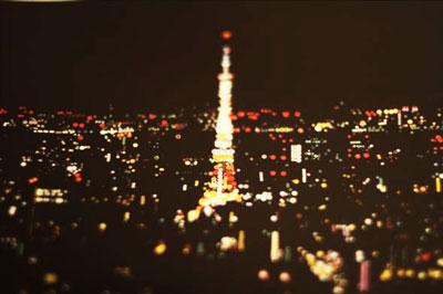 このアイデアはなかった。シールを使った面白い夜景アート@恵比寿OVER THE BORDER