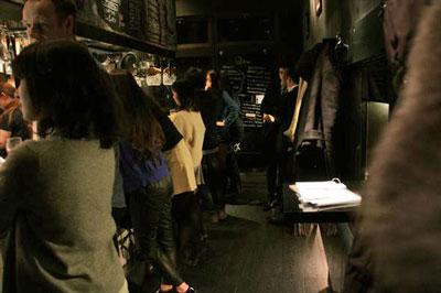 日本4大メーカーのビールが飲めてしかも自家製ベーコン食べ放題!?コスパが凄い「Q」