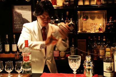 恵比寿南の隠れ家オーセンティックBARで飲む噂のブラッディ―マリー