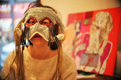 【展示】パリの中心街にある不法占拠されたスクワットでアートを作り続けた日本人アーティスト