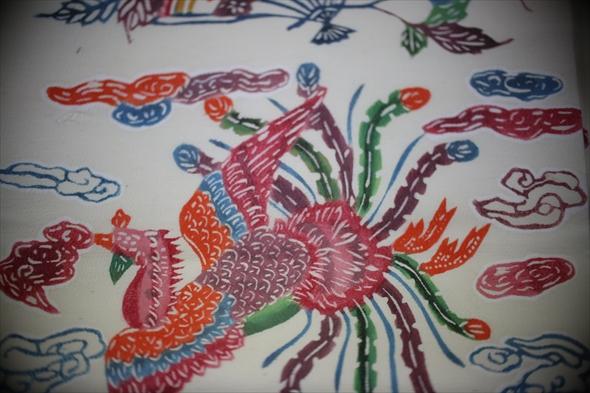 不死鳥を象った刺繍縫い