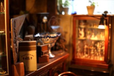 恵比寿の純喫茶巡り。アンティークに囲まれるギャラリーカフェ ラヴァンド