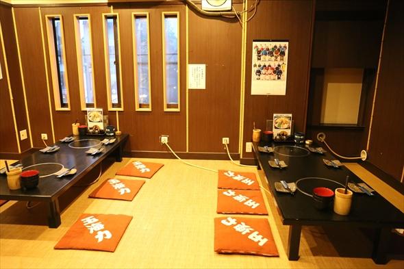 2階の個室。ここに創業時河邉家は住んでいました。