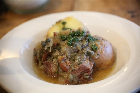 子羊のウデ肉のスペッツァティーノ 1500円
