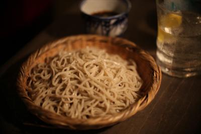 淫猥な香り漂う新店「東京おでんラブストーリー」で出会った人生積み重ねたの珠玉の蕎麦