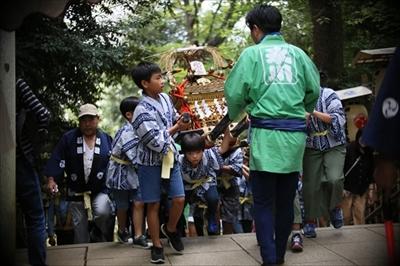 渋谷氷川神社例大祭連合神輿1番基「氷川会」に密着「こども神輿編」
